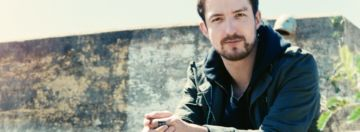 """We are happy to introduce a new section of our magazine: Tips from the Best. Senior artists, with years of experience, will share their top tips, suggestions and recommendations that you can reapply right away.  Enjoy the first article, signed by Mr. Frank Turner who, before finishing his new album """"Positive Songs for Negative People"""", has decided to reveal his top 5 tips to survive while on tour."""